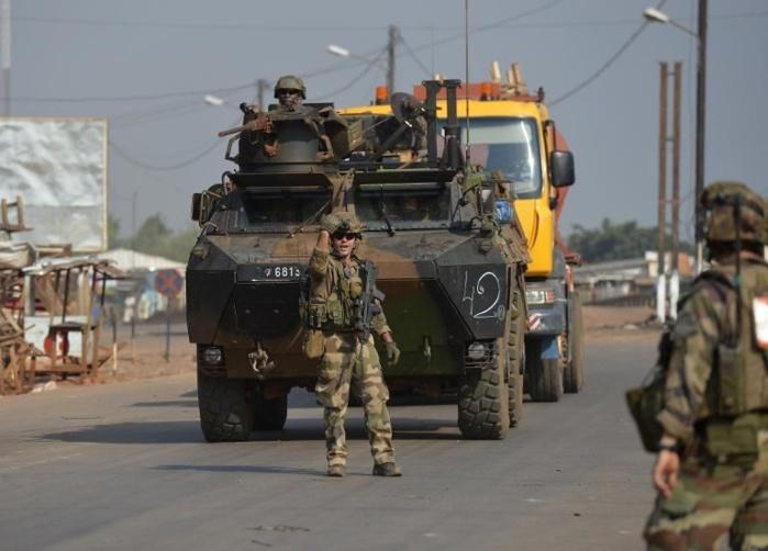 Bangui: des blindés français ont pris position près du palais présidentiel