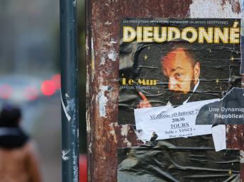 France: Dieudonné contre-attaque et déclare « Valls m'a déclaré la guerre ».