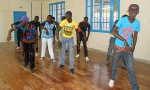 CULTURE : Saint-Louis accueille un atelier de danse hip hop, jusqu'au  30 Janvier 2014.