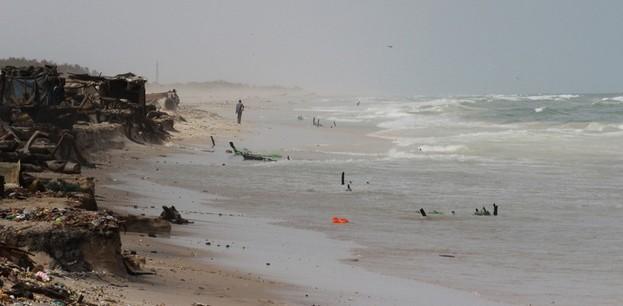 OPINION - Alerte! La mer se déchaine et détruit des villages prés de Saint-Louis....