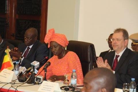 """Le taux de chômage des jeunes est """"socialement et économiquement"""" élevé au Sénégal, déplore le Premier ministre"""