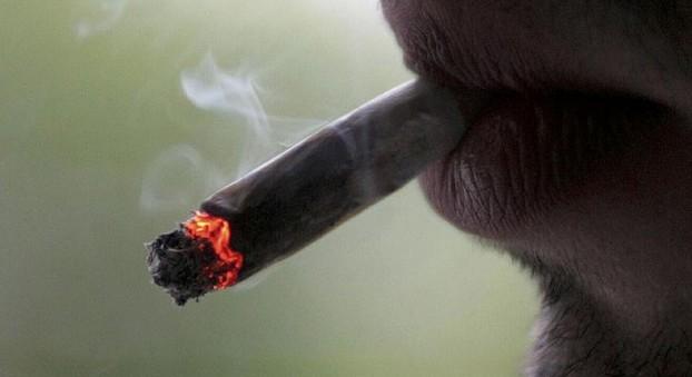 OPINION: Mon week-end à Saint-Louis a été gâché par un restaurateur fumeur et irresponsable !! ( Colonel Moumar Guèye)
