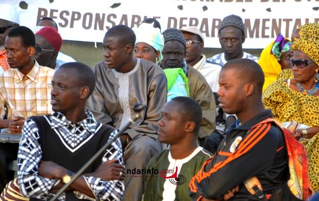 Politique: les images du grand meeting de l'APR à Pikine.