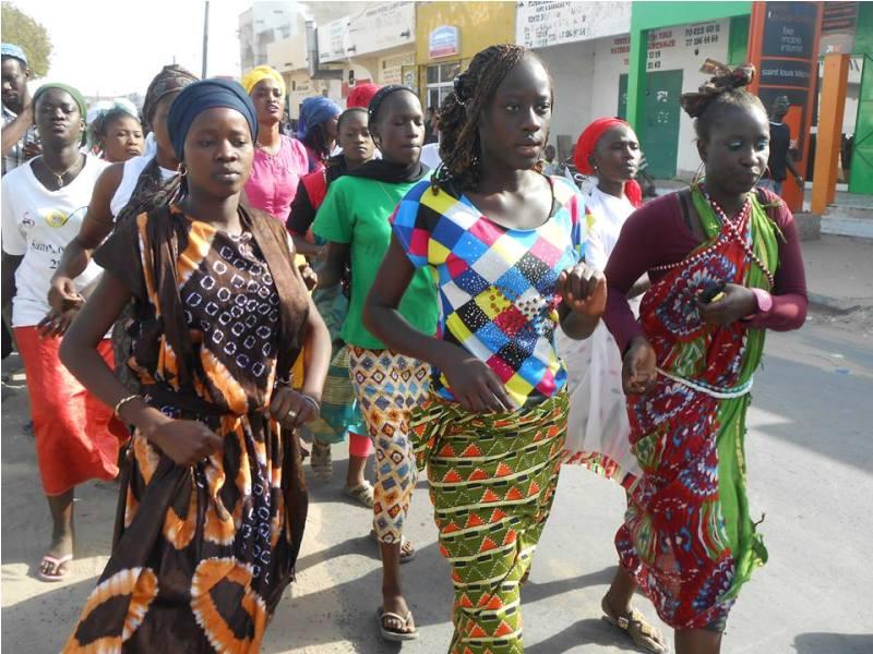 [PHOTOS] Semaine Régionale de la Jeunesse : des rythmes pluriels au carnaval des artistes, hier, à Saint-Louis.