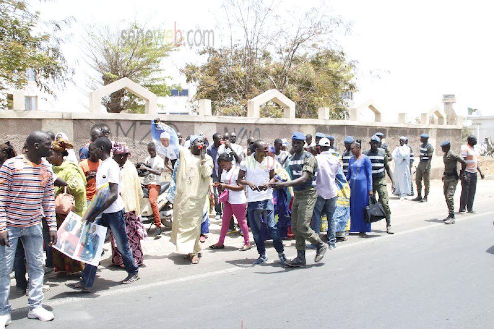 Retour de Wade : Tension à l'aéroport entre forces de l'ordre et militants du PDS