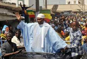 DERNIÈRE MINUTE: Abdoulaye Wade arrive finalement demain à 15h