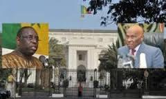 Arrivée de Wade: les précisions de la présidence qui brandit les quatre autorisations données au père de Karim