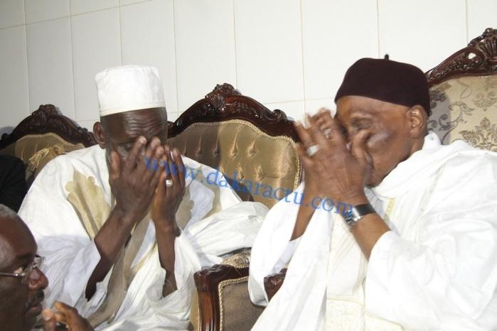"""Atmosphère empreinte de cordialité entre Me Wade et Thierno Madani Tall: """"Je n'ai plus le pouvoir, mais j'ai les masses!"""" dit Wade. """"Vous avez donc le pouvoir si les masses vous suivent!"""" lui répond le Khalife"""
