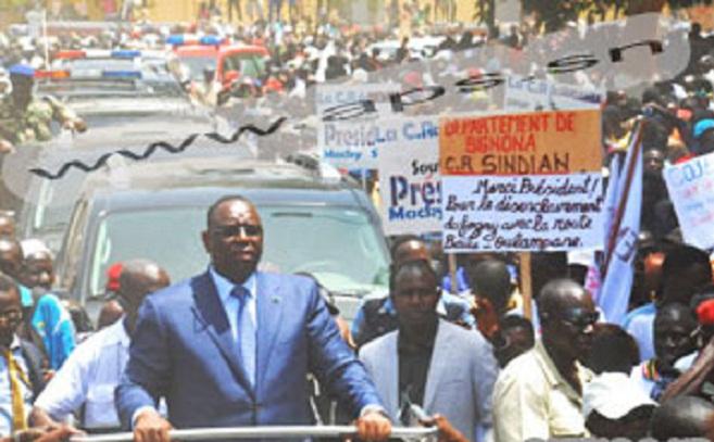 Gâterie des locales, Macky Sall loue plus de 600 véhicules