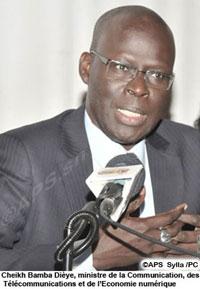 MARCHE NDAR TOUTE : Des ambulants refusent de serrer la main de Cheikh Bamba DIEYE.