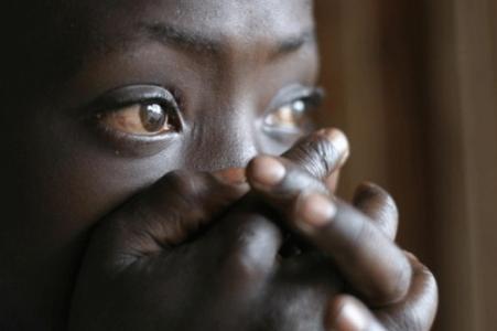 Dissimulant son accouchement à sa belle famille-Diénaba Sadio, épouse d'un émigré, jette son bébé dans une fosse de latrines