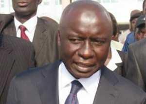 Elu premier président du Conseil départemental de Thiès, Idrissa Seck promet de voyager moins ou de ne pas durer à l'étranger