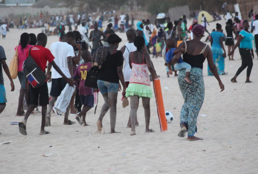 PHOTOS - Célébration du 15 aout : la grande ruée vers la plage de l'hydrobase. Regardez