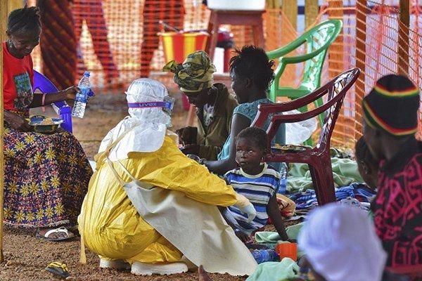 Ebola : Les 67 personnes qui ont été en contact avec le Guinéen ne sont pas infectées