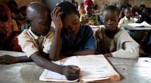Afrique subsaharienne : 16 millions de jeunes filles sont hors du système scolaire.