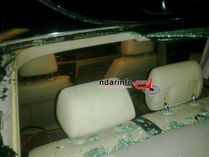 VOL: En concert à Saint-Louis, la bagnole du rappeur « DYNO » cambriolée, vitre cassée, plusieurs bien emportés.