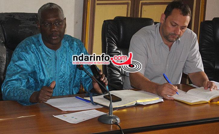 Hamady BOCOUM avec David TEHL BREDA, représentant de l'Unesco lors de la réunion d'information et de sensibilisation sur la plan d'action du PSMV