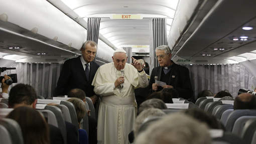 Le pape demande au monde musulman de condamner le terrorisme islamiste