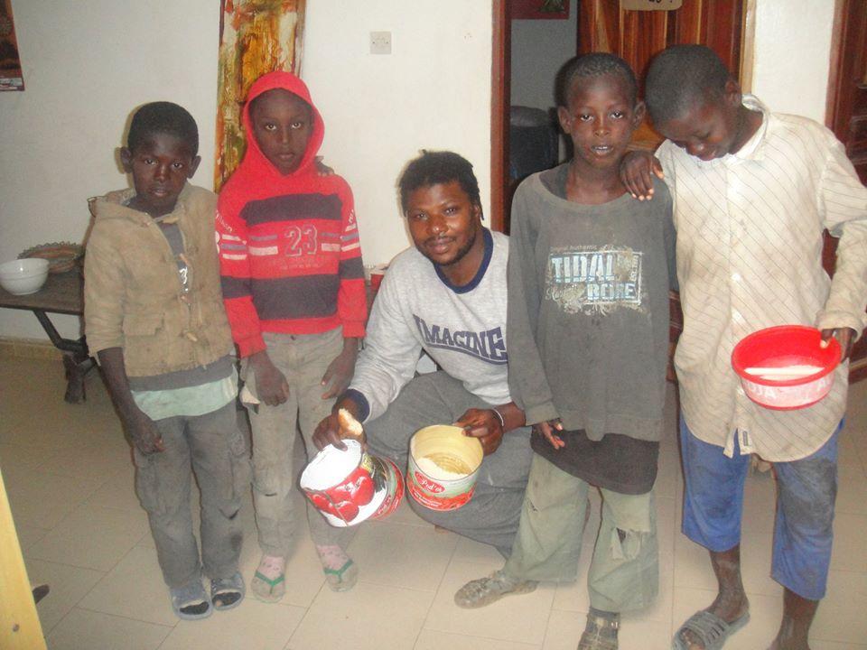 Saint-Louis : Baye Event au secours des talibés et enfants de la rue.