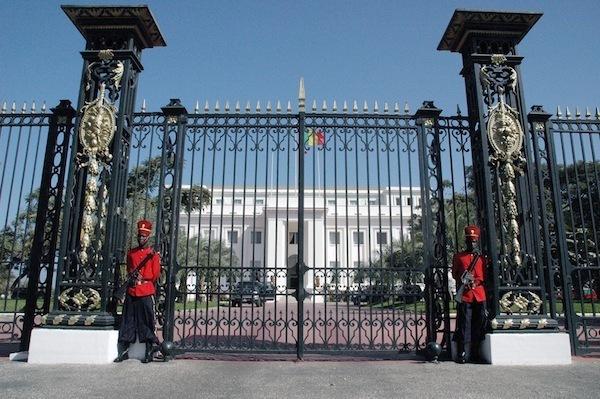 Le Présidence  divulgue le traitement royal réservé aux anciens chefs d'Etat sénégalais (communiqué)