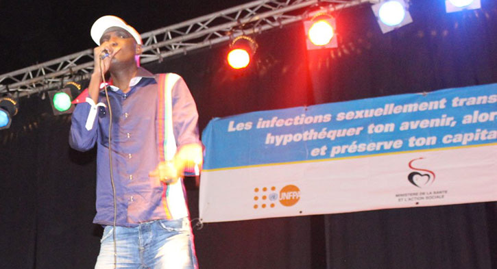 Alioune Mbaye NDER au Podium (photo UGBNEWS)