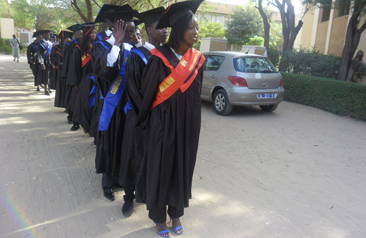 CEREMONIE DE GRADUATION : les Etudiants titulaires de la Maitrise -Es Sciences Juridiques et Politiques, promotion 2013-2014, ont reçu leurs Diplômes
