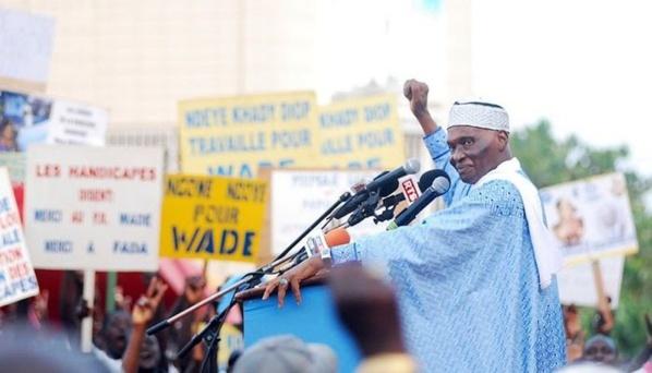 Me Wade de retour à Dakar