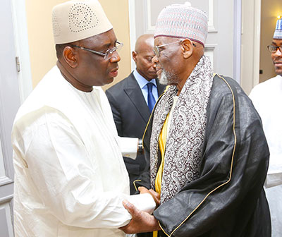 Macky SALL a reçu le Khalife général de Médina Baye, El Hadj Cheikh Ahmed Tidiane Ibrahima Niasse.