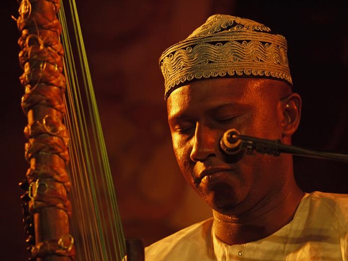 MUSIQUE : Ablaye CISSOKHO au Festival Agape du Mexique puis au World Music de Panama.