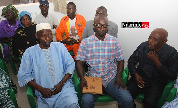 Pape DIENG entouré par les deux comissaires politiques de l'APR Djadji SANKHARE et Lamine NDIAYE