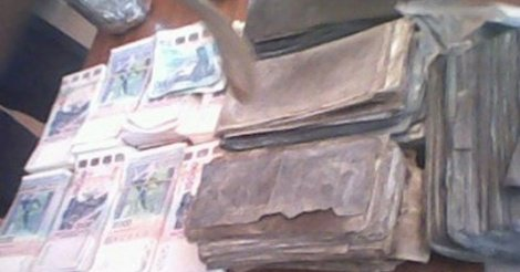 Près de 300 millions en faux billets d'euros abandonnés sur l'autoroute