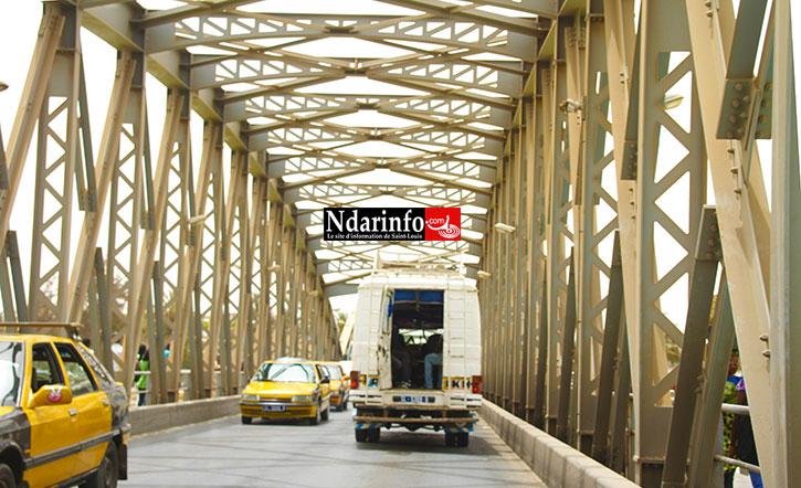 SAINT-LOUIS : une ambulance heurtée par un bus sur le pont Faidherbe.