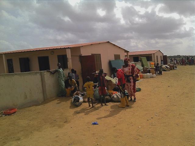 (PHOTOS) LIBERATION DES LOGEMENTS SOCIAUX DE BANGO : le déguerpissement forcé des occupants illégaux, en images.