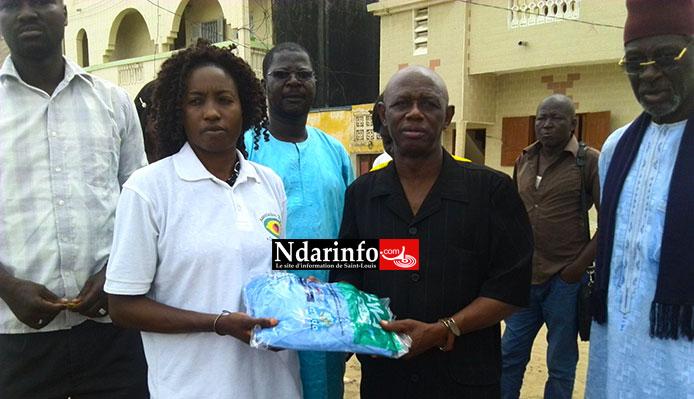 XIPPI AU CHEVET DES SINISTRES DE GOXU MBACC : une cinquantaine de moustiquaires distribuée.