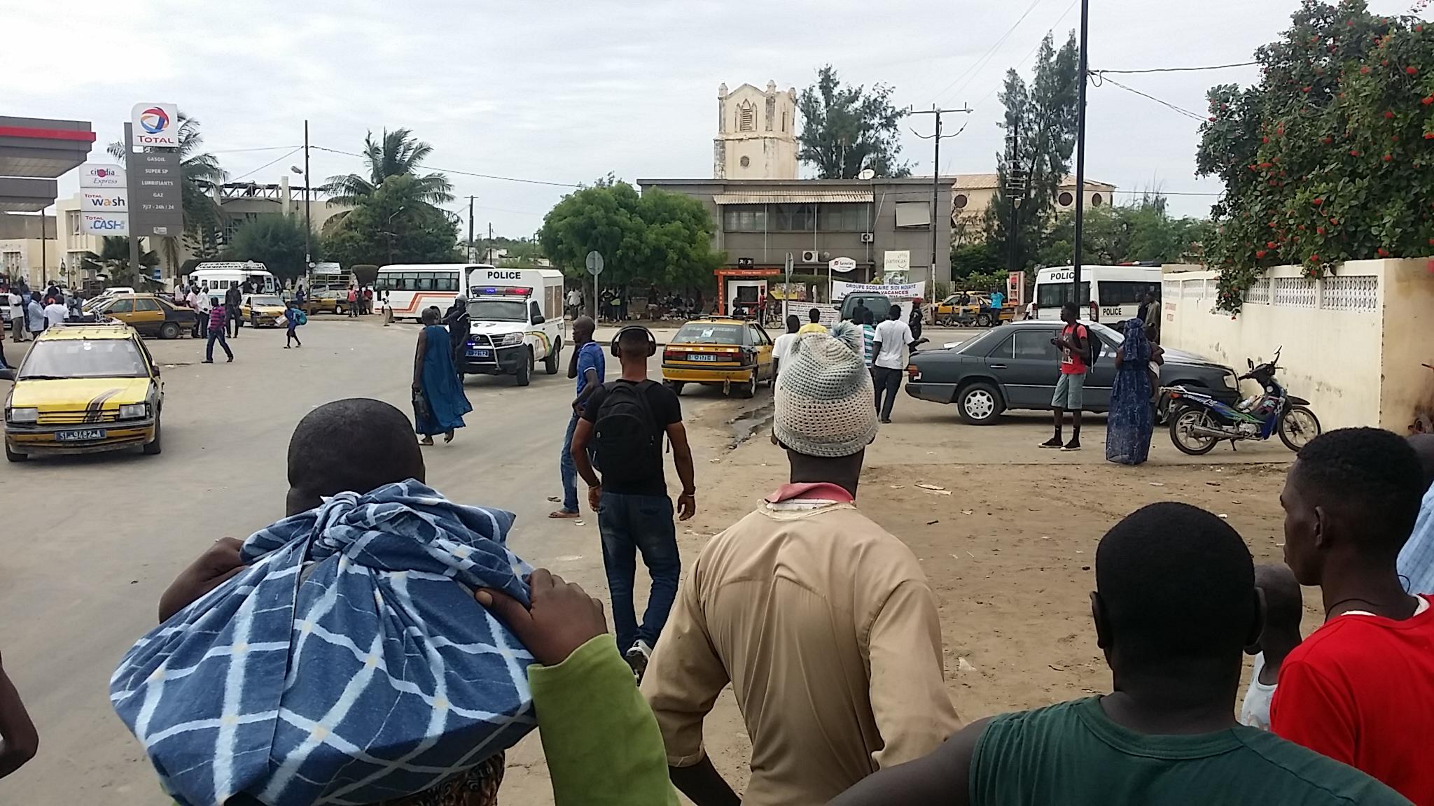 DIRECT: plusieurs chauffeurs de taxi arrêtés.