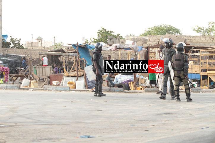 Dernière minute: rudes affrontements entre Policiers et Chauffeurs de Taxi au Commissariat central de Sor.