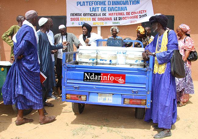 PLATEFORME D'INNOVATION LAIT DE DAGANA: des tricycles et motos, remis aux collecteurs de lait.