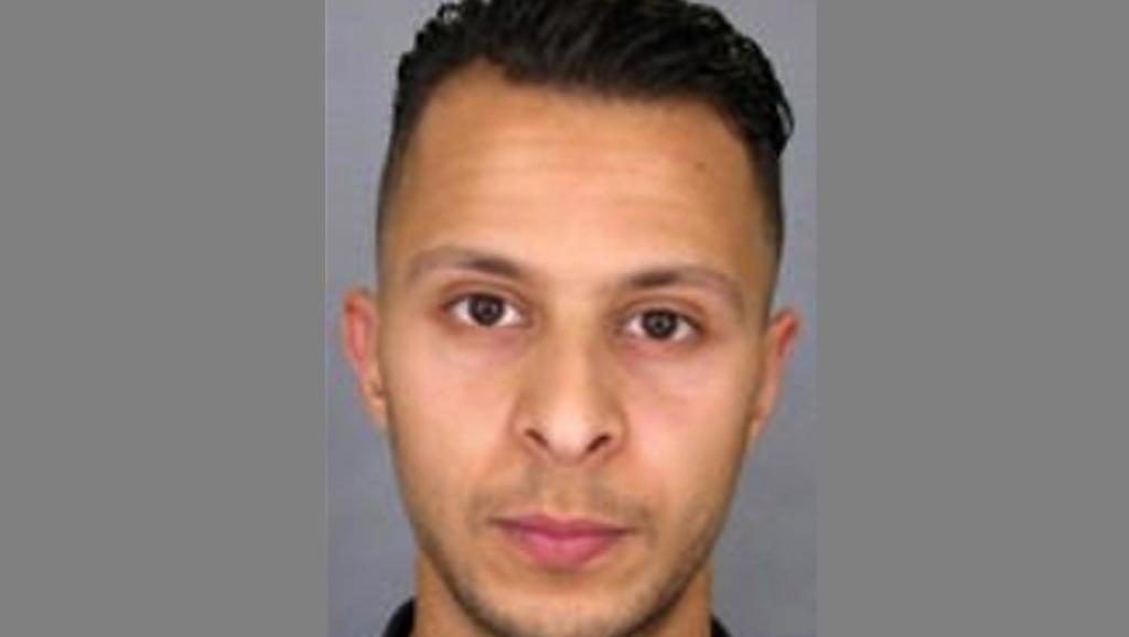 Une photo de Abdeslan Salah diffusée par la police française, qui a émis un mandat de recherche le concernant ce dimanche 15 novembre 2015.