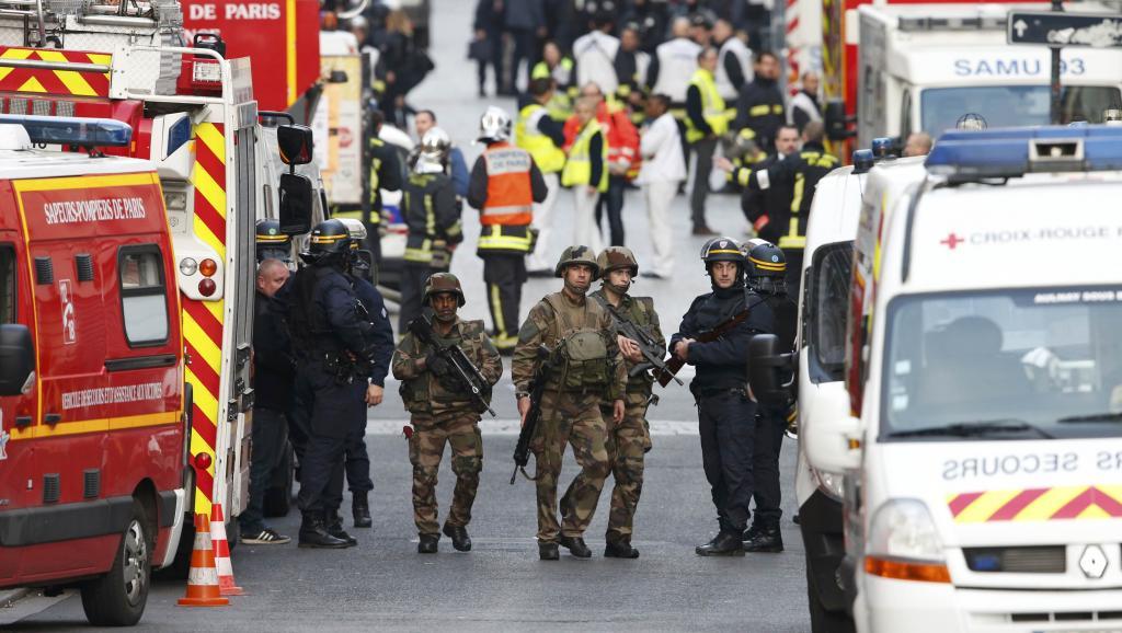 Femme kamikaze à Saint-Denis, une première en Europe.
