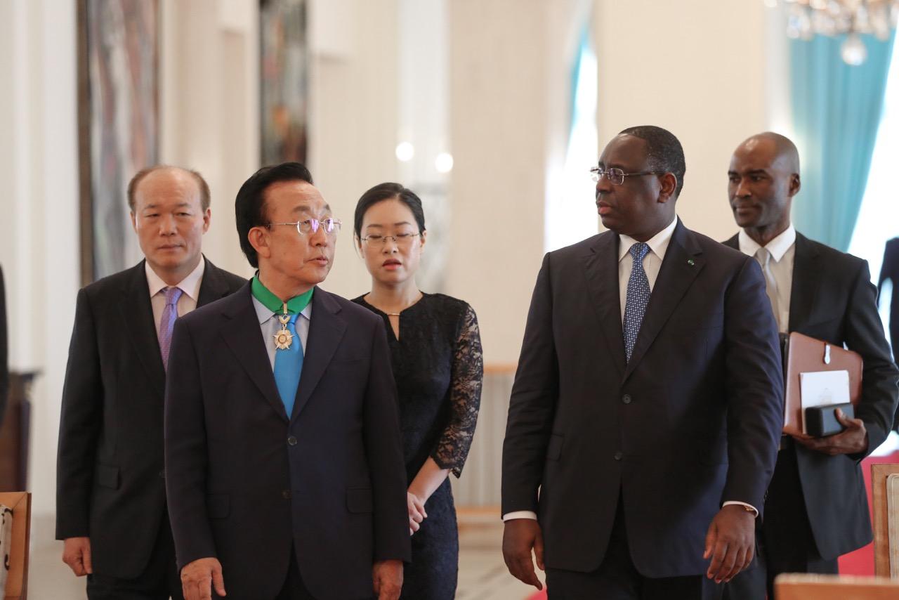 (Photos) Reçu, hier, au Palais, le Gouverneur Coréen Kwan-Yong KIM, sera à Saint-Louis, ce vendredi.