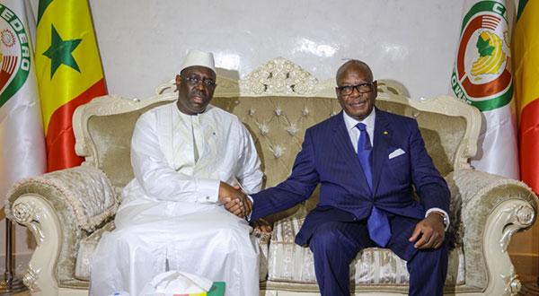 """Macky SALL pour le """"renforcement de la solidarité internationale contre l'extrémisme"""""""