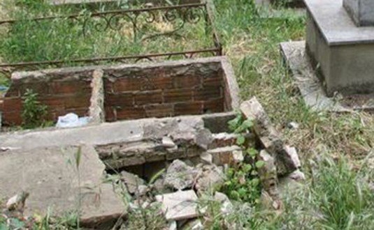 Profanation de tombes de PIKINE : Les incroyables confidences du fossoyeur.