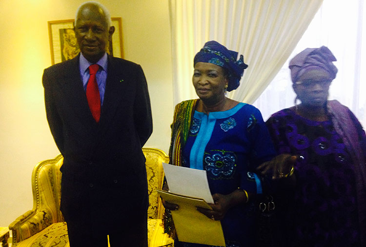Le Président Abdou DIOUF avec Mme Madjiguène DIOUF DIOP dite Mada