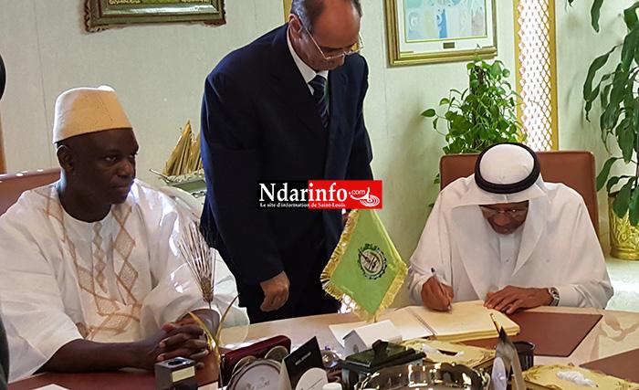 APPROVISIONNEMENT EN EAU : Mansour FAYE signe une convention de 87,2 milliards de FCFA à Djeddah.