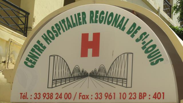Hôpital de Saint-Louis: des individus encagoulés agressent un patient.