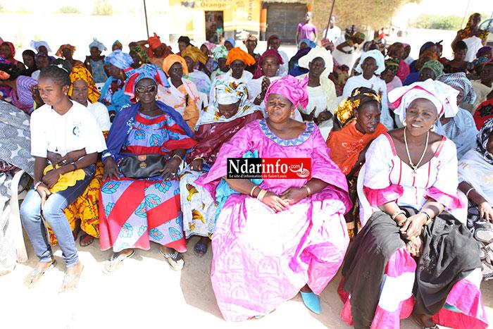 DIRECT - Une machine d'iodation du Sel aux femmes : Mary Teuw NIANE gâte les femmes de Gandiol.