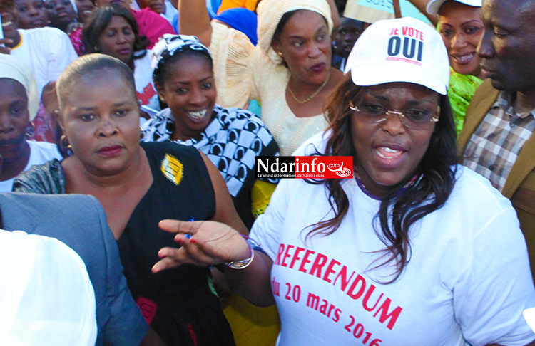 (Photos) Marième Faye SALL en guest star au meeting de Macky SALL sur la Place Faidherbe.
