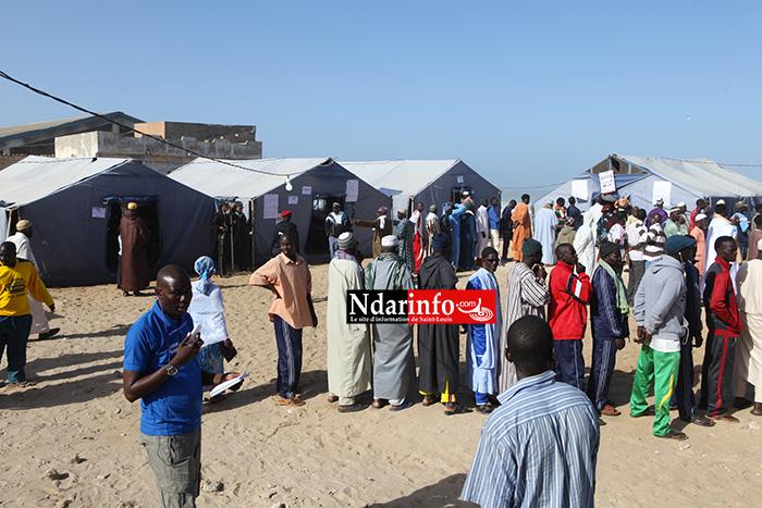 DIRECT : le OUI s'empare de l'école Abdoulaye Mbengue Khaly et de François Mbaye Salzman de Corniche.