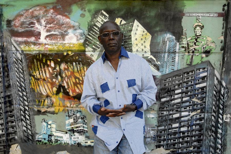 Boubacar Boris Diop : « La seule alternative à la littéralité, c'est une immense liberté. Je crois aussi que chaque texte a son propre rapport à la langue d'accueil. » (Photo : Aurimages/Imageforum)
