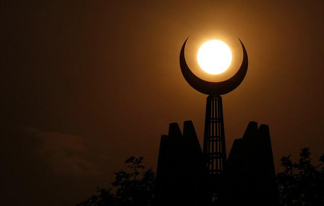 """RAMADAN: """" Lundi, il sera possible de voir la Lune à l'œil nu, au Sénégal"""" ( astronaute )"""
